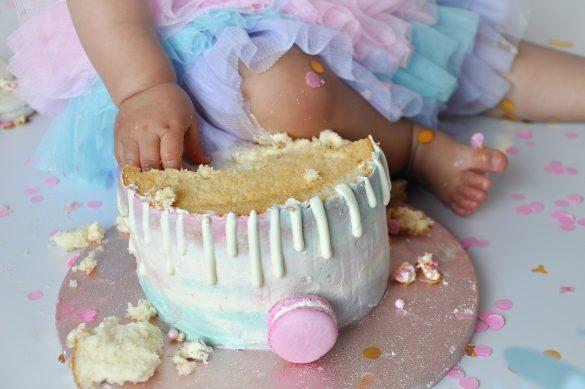 Alles over de cake smash fotoshoot bij ons thuis